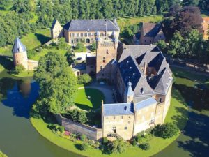 Huis Bergh - exterior castle holland netherlands hotel accommodation travelagent dmc dutchman
