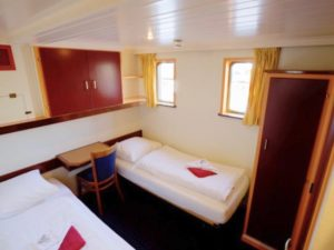 Active barging - rooms holland netherlands waterboats vacation travelagent dmc dutchman accommodation