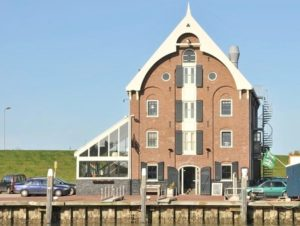 Design hotel Texel Suites accommodation holland outside