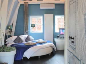 Kamer 01 - blue room hotel accommodation amsterdam holland netherlands travelagent dmc dutchman