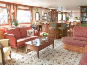 Luxury barging Nouvelle etoile - lounge holland netherlands waterboats vacation travelagent dmc dutchman accommodation