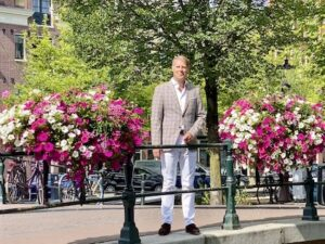 The Dutchman Your personal Travel concierge Travel agent Holland Amsterdam Flower Canal 2020-09-21 om 22.54.38