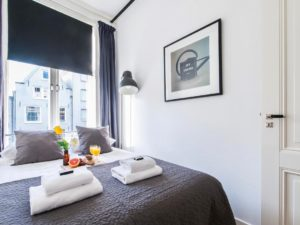 apartments prinsengracht - master bedroom amsterdam holland netherlands accommodation vacation travelagent dmc dutchman